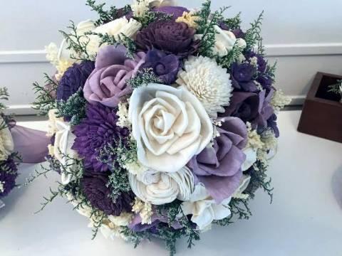 مسكة عروس بتدرجات اللون البنفسجي